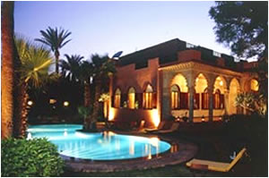 The Red House El hotel con mejor puntuación por nuestros usuarios. Ubicado a orillas de La Medina.